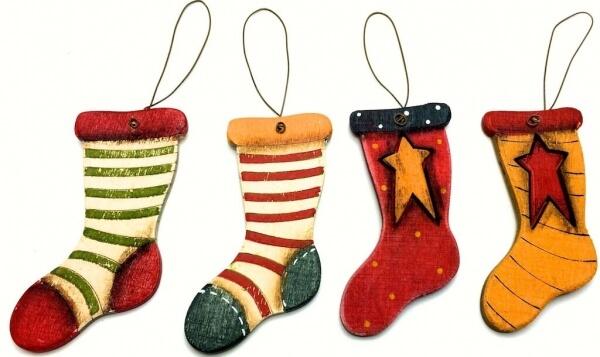 χριστουγεννιάτικα-ξύλινα-στολίδια-κάλτσες-σετ-των-16-giftland