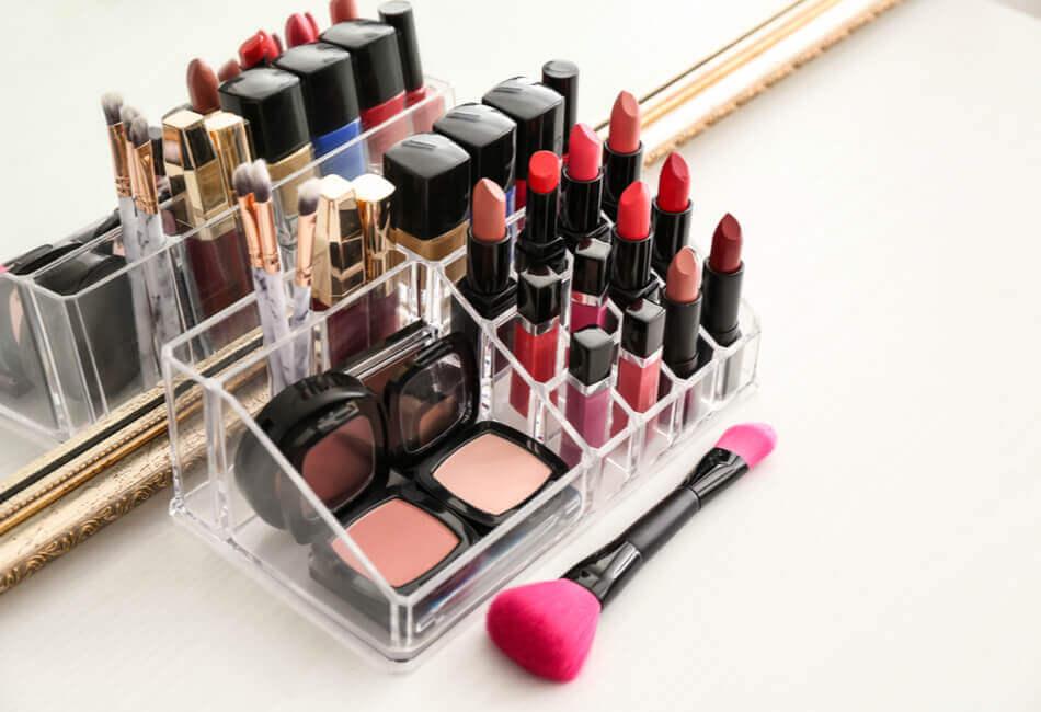 6 Υπέροχες Ιδέες Δώρων για την κολλητή σου φίλη - Make-up-Organizer - Giftland