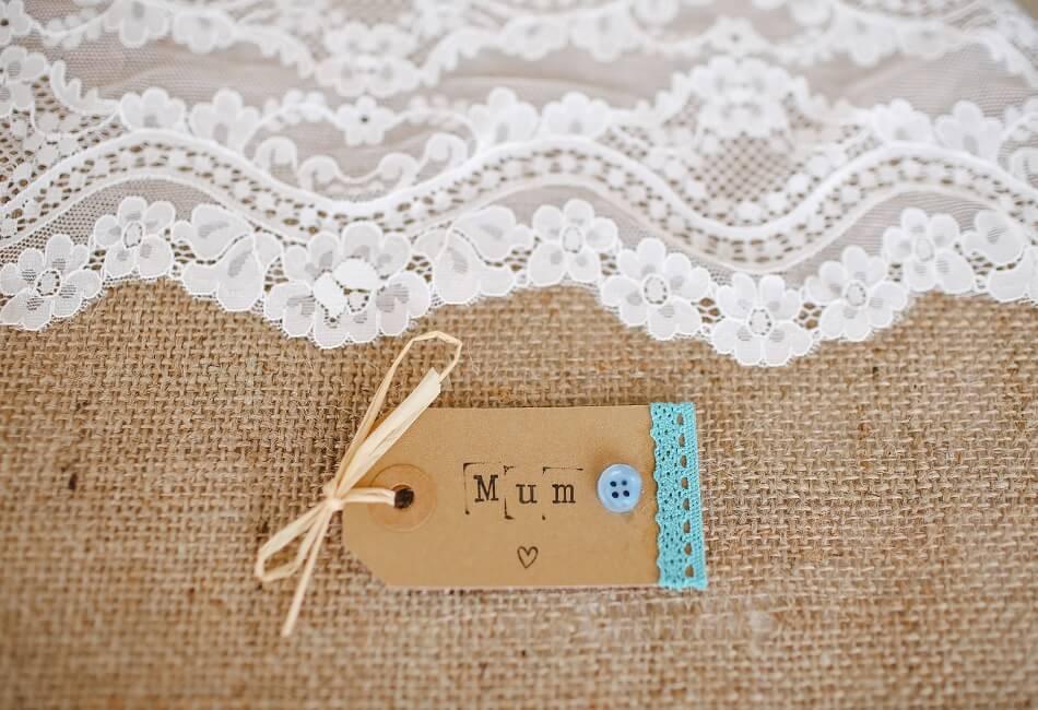 Γιορτή της μητέρας - Οικονομικές προτάσεις δώρων για κάθε μαμά - Για την ρομαντική - Giftland